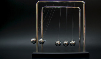 Newtons cradle by Sue Eckersly